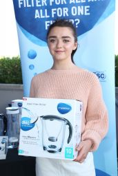 Maisie Williams - PILOT PEN & GBK