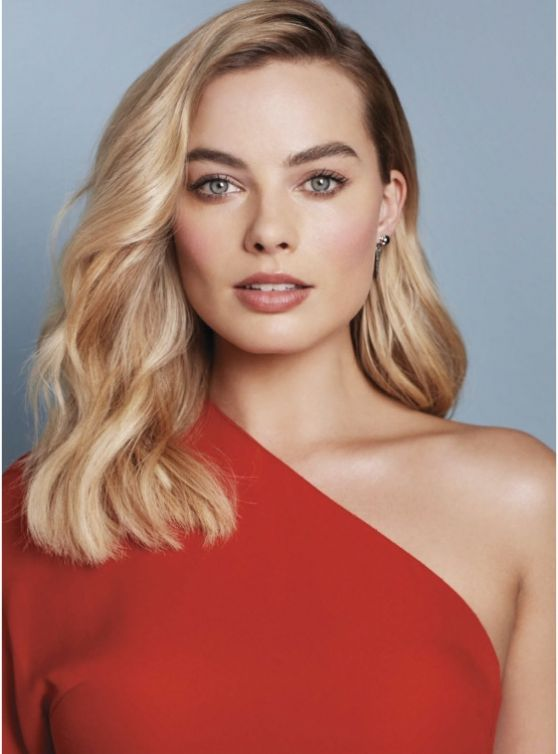 Margot Robbie Glamour Magazine. SO SEXY