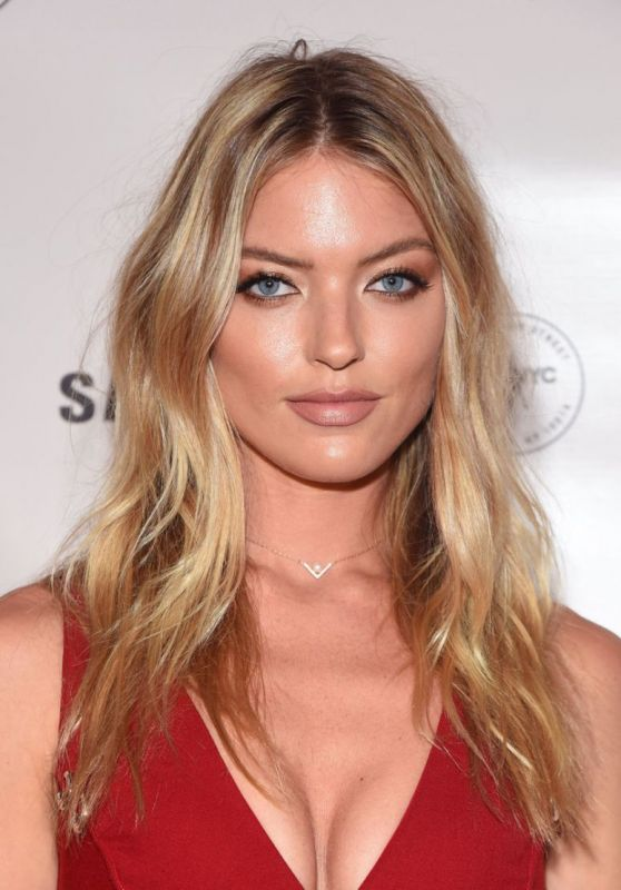 Martha Hunt - Charlotte Tilbury x Samsung Event in New York City 9/10/2016