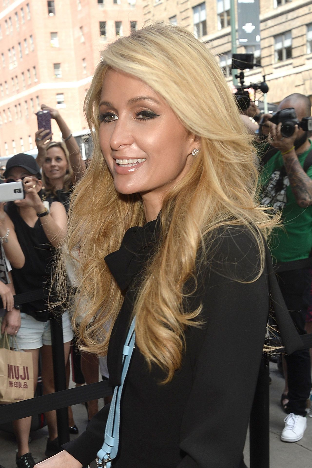 9. Paris Hilton nudes (81 images) Paparazzi, Snapchat, braless