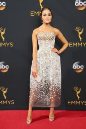 Olivia Culpo – 68th Annual Emmy Awards in Los Angeles 09/18/2016