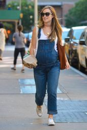 Olivia Wilde - Out in New York City - September 23, 2016