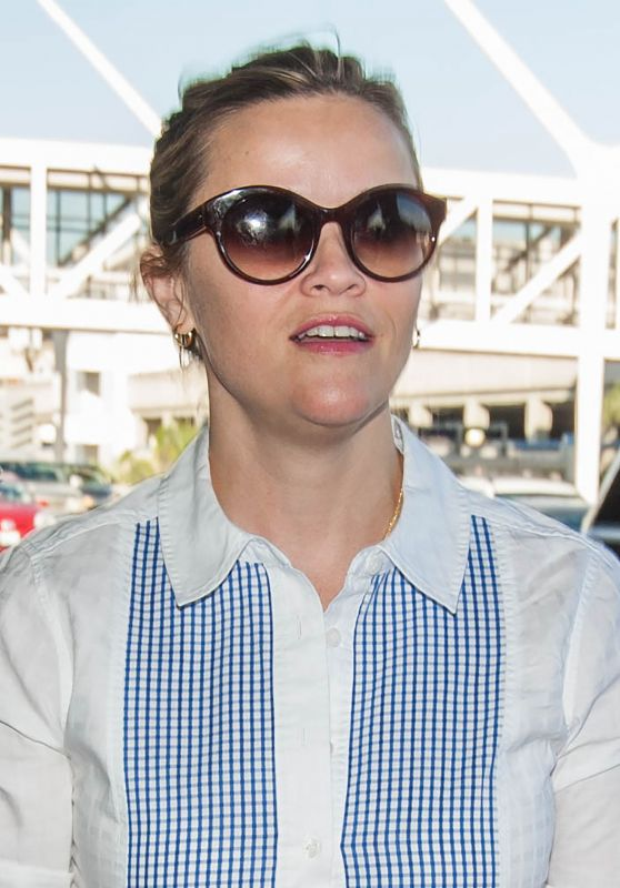 Reese Witherspoon Casual Style - LAX Airport in LA 9/27/2016