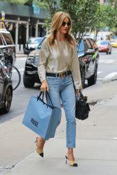 Rosie Huntington-Whiteley Casual Style - Shopping in Soho, September 2016