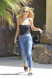 Rosie Huntington-Whiteley - Out in Venice 8/30/2016