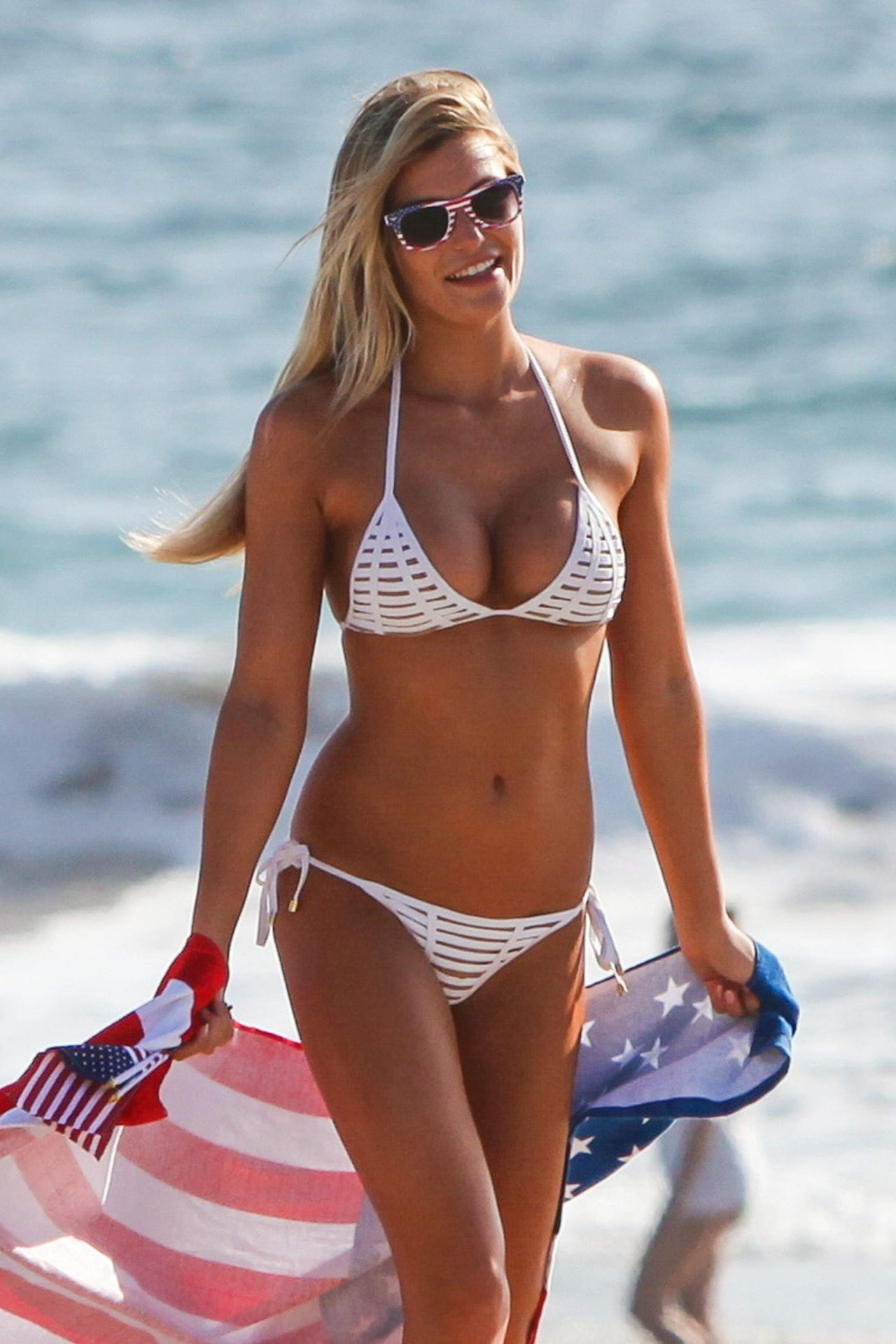 66b88bfdc7a Samantha Hoopes Hot in Bikini on the Malibu Coast 9/4/2016