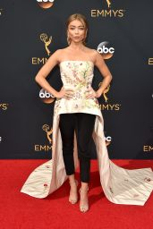 Sarah Hyland – 68th Annual Emmy Awards in Los Angeles 09/18/2016