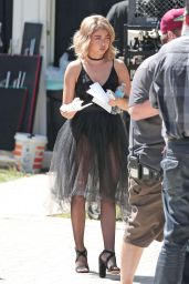 Sarah Hyland - Filming a Halloween Episode of