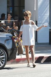 Sarah Hyland - Out for Breakfast in Los Angeles 9/17/2016