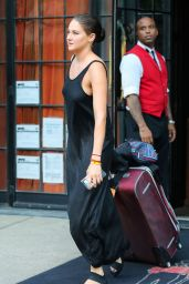 Shailene Woodley - Checking Out of The Bowery Hotel in New York City 9/15/2016