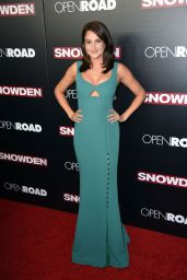 Shailene Woodley on Red Carpet -
