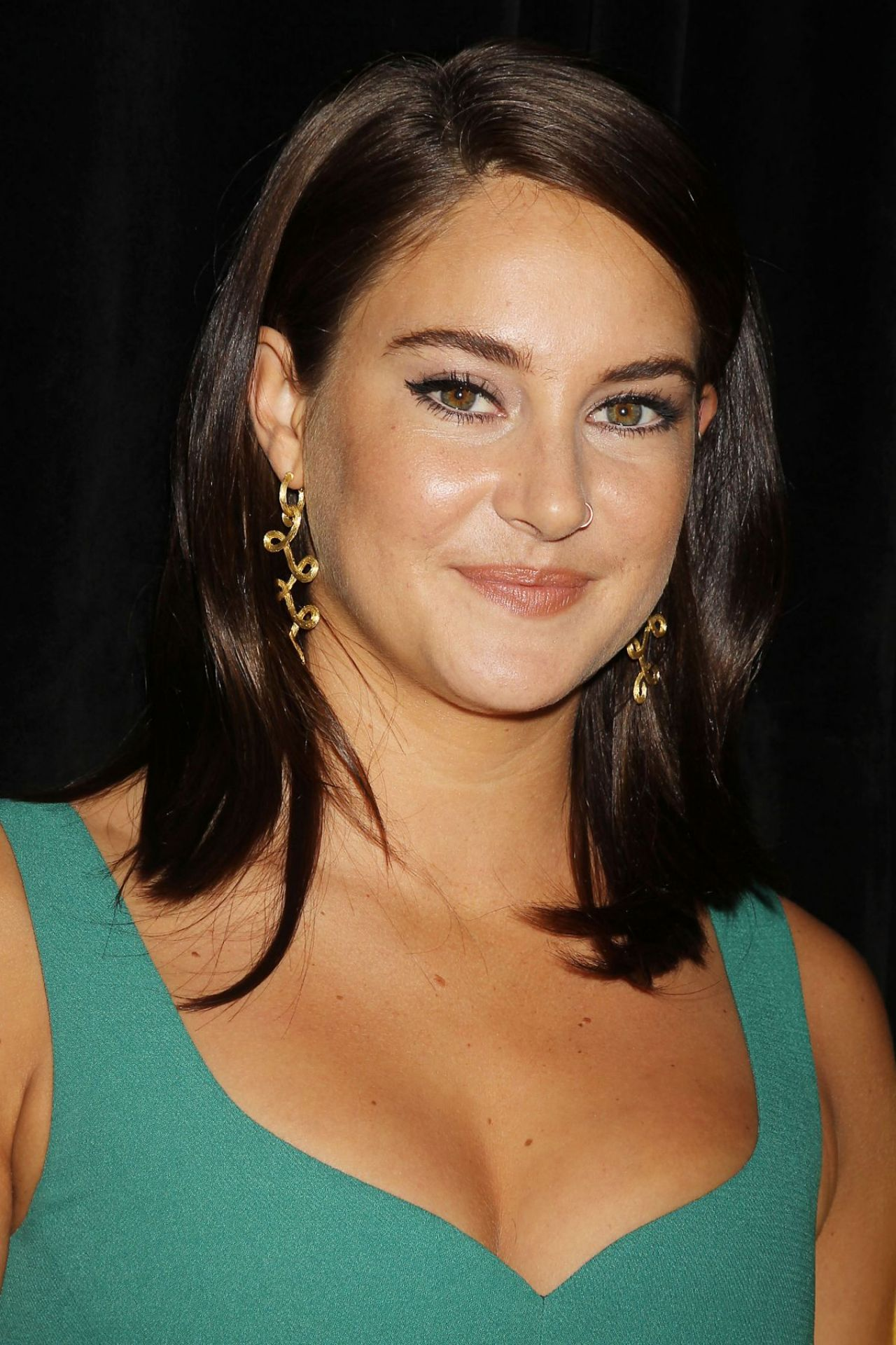 Shailene Woodley on Re...