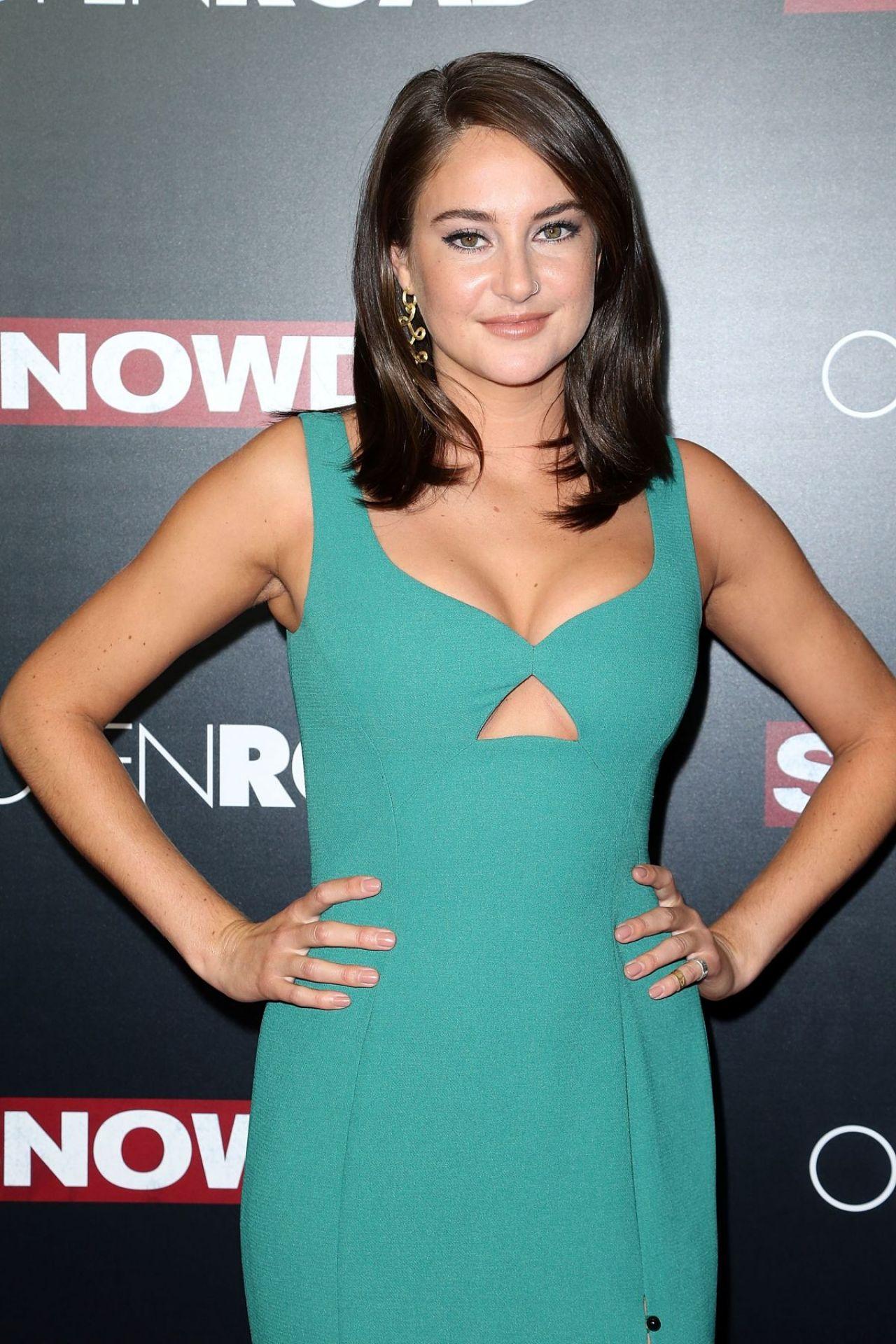 Shailene Woodley On Red Carpet Snowden Premiere In New
