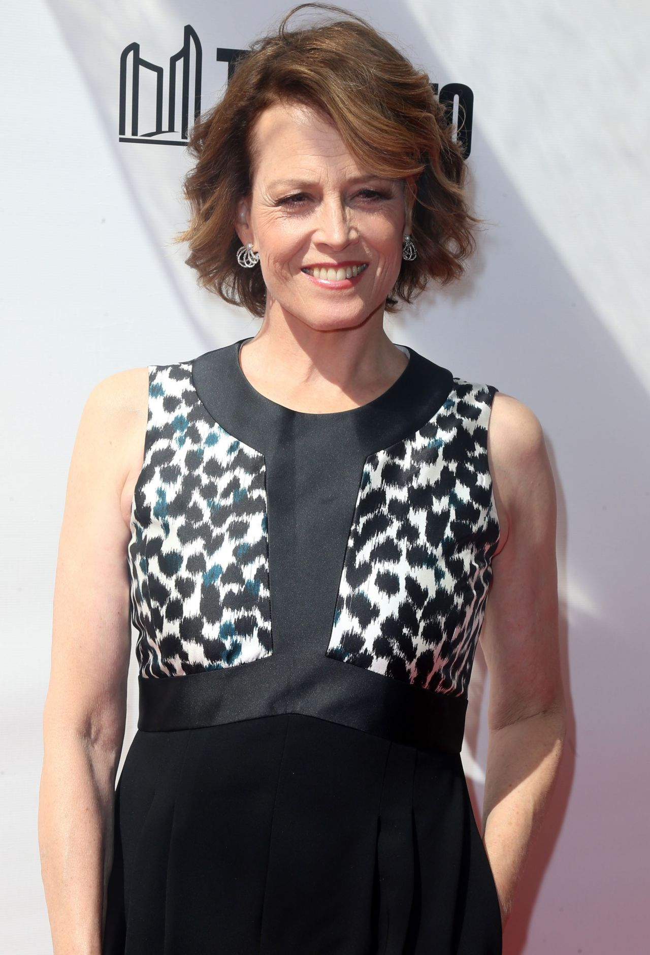 Sigourney Weaver Biography - Facts, Childhood, Family Life
