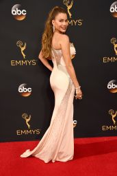 Sofia Vergara – 68th Annual Emmy Awards in Los Angeles 09/18/2016