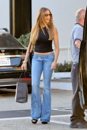 Sofia Vergara Booty in Jeans - Shopping at Saks Fifth Avenue in Beverly Hills 9/24/ 2016