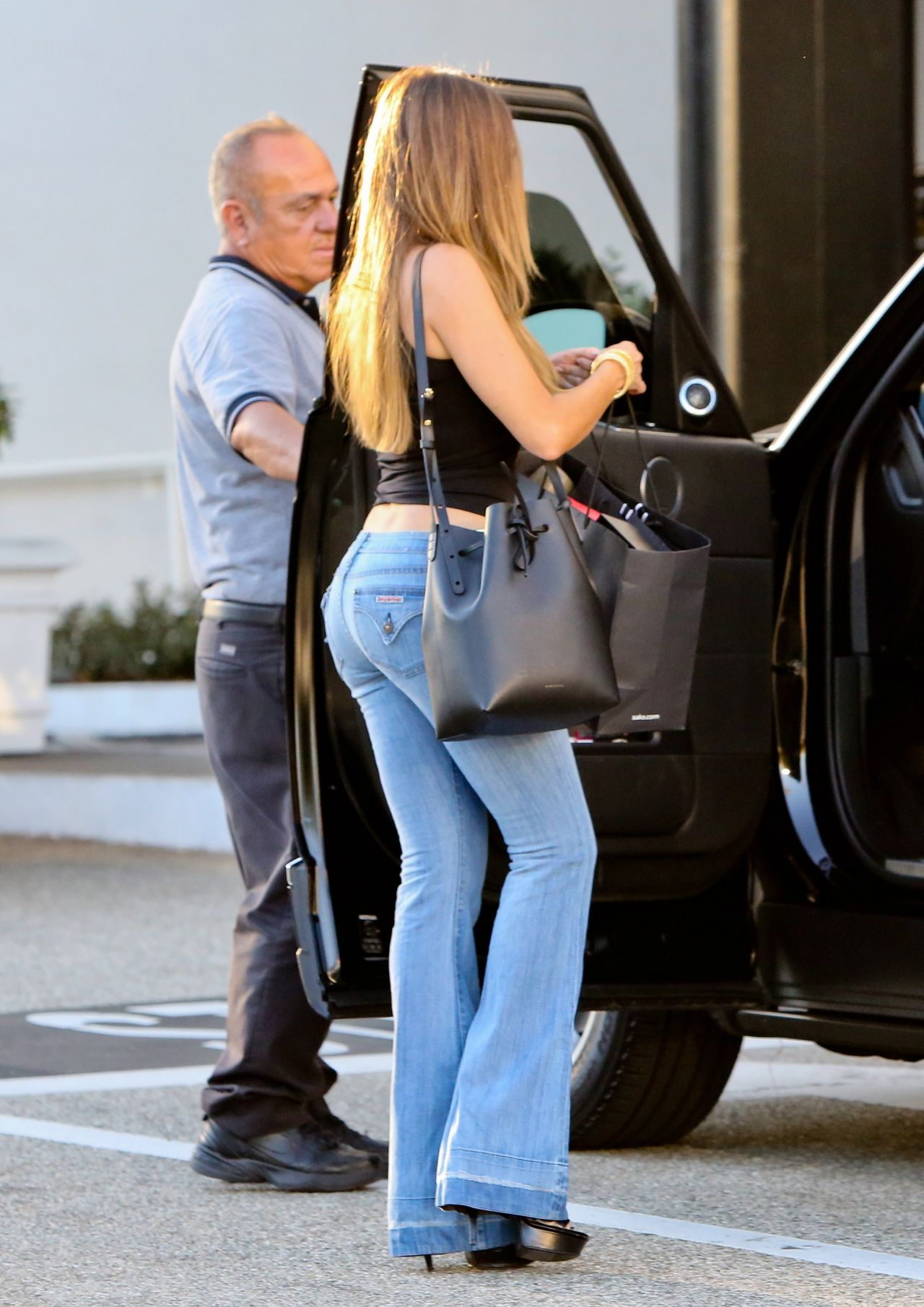 Sofia Vergara Booty In Jeans Shopping At Saks Fifth