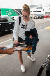 Sophie Turner at LAX Airport in Los Angeles 9/19/2016
