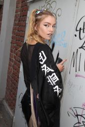 Stella Maxwell at Fendi Fashion Show Arrivals in Milan 9/21/2016