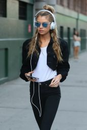 Stella Maxwell Street Style - NYC 9/3/2016
