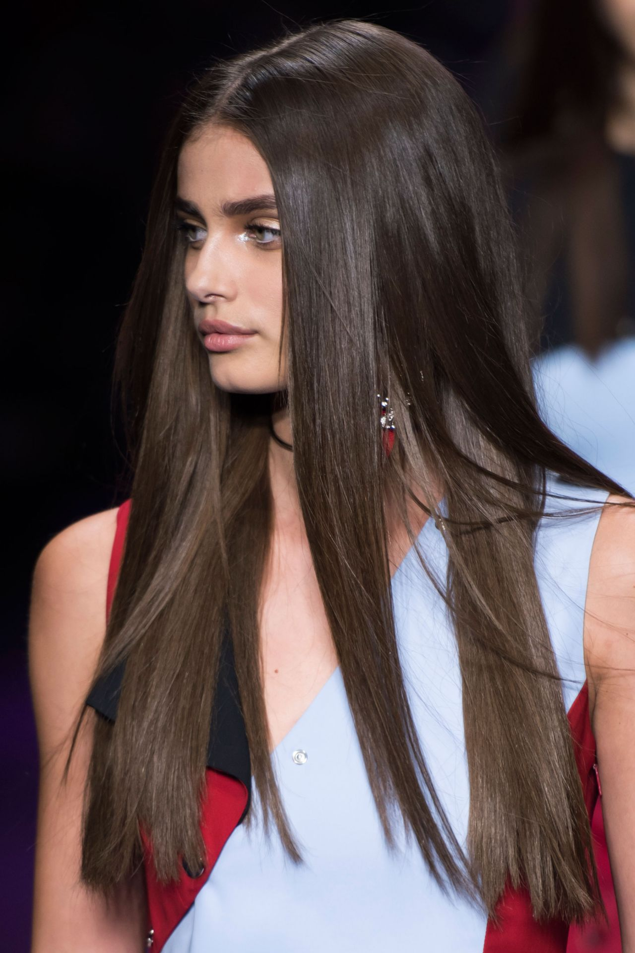 Taylor Hill Versace S S 2017 Show In Milan September 2016