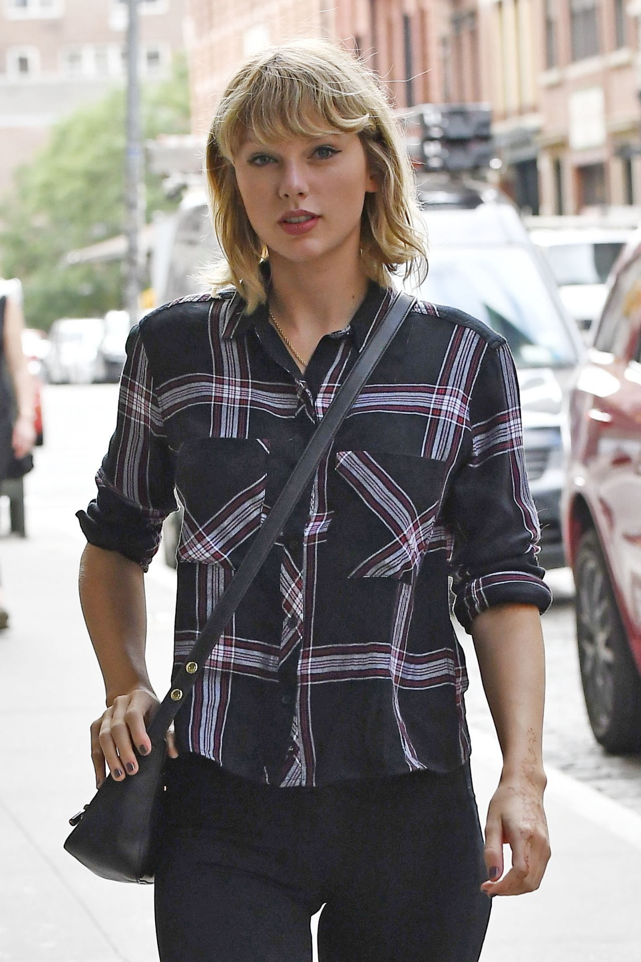 Taylor Swift Casual St...