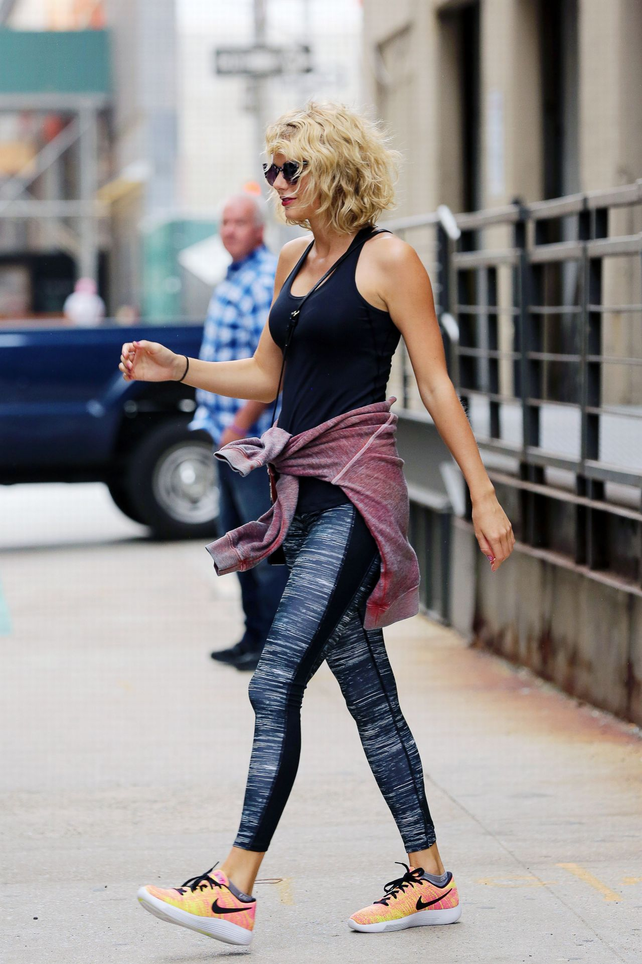 Taylor Swift In Leggings Leaving A Gym In Ny 9 6 2016