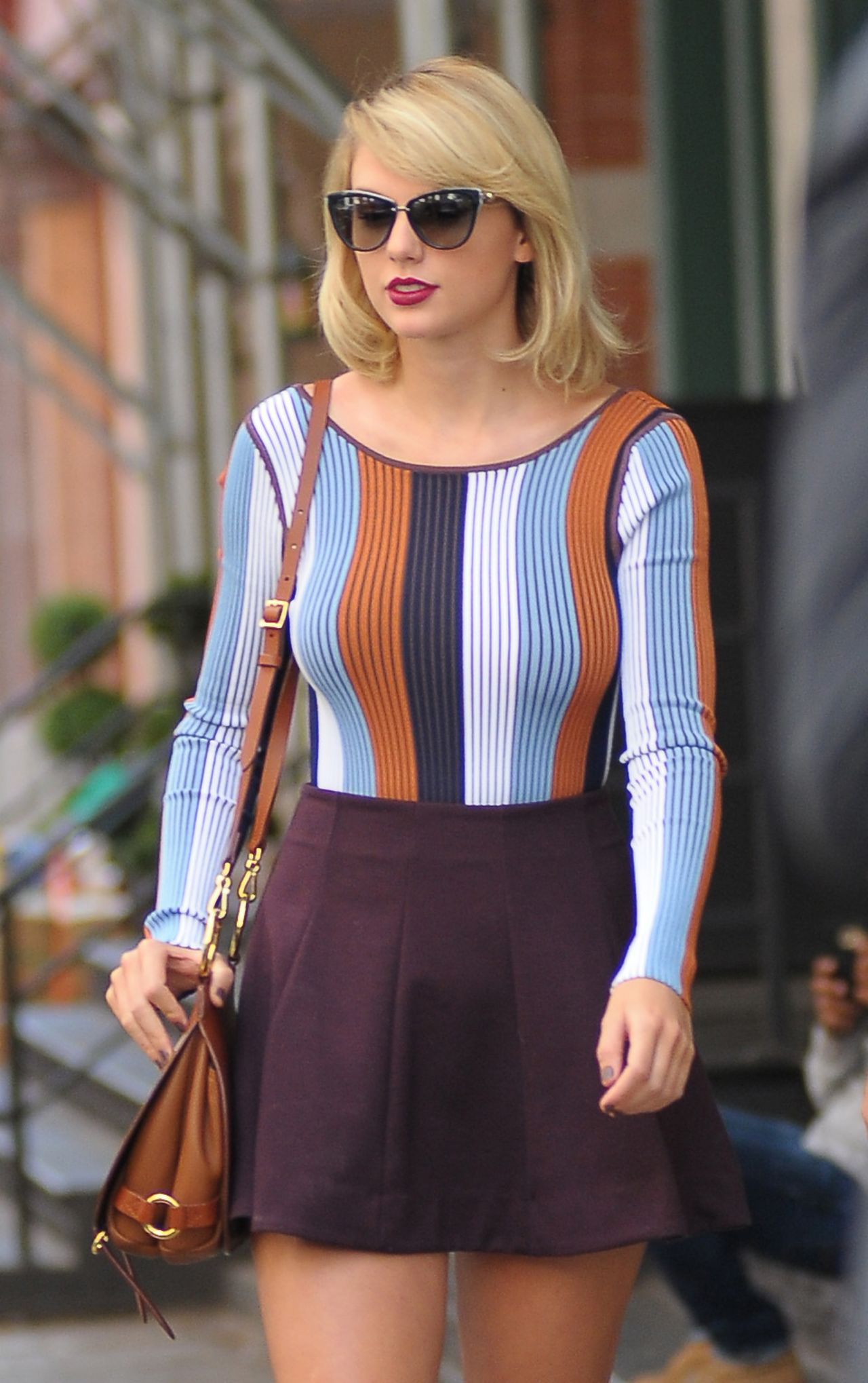 Taylor Swift Inspiring Style - Leaving Her Apartment in ... Taylor Swift