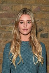 Tina Stinnes - April Banbury Catwalk Show S/S 2017 in London 9/18/2016