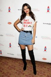 Victoria Justice – Broadway Flea Market and Grand Auction 9/25/ 2016 - Part II