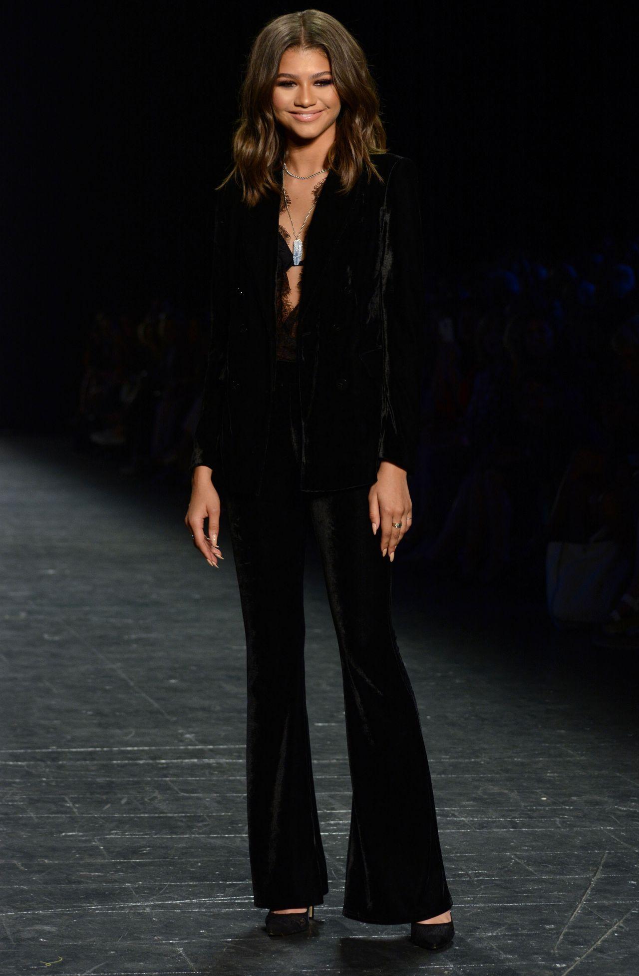 Zendaya Coleman Project Runway Fashion Show New York Fashion Week 9 9 2016