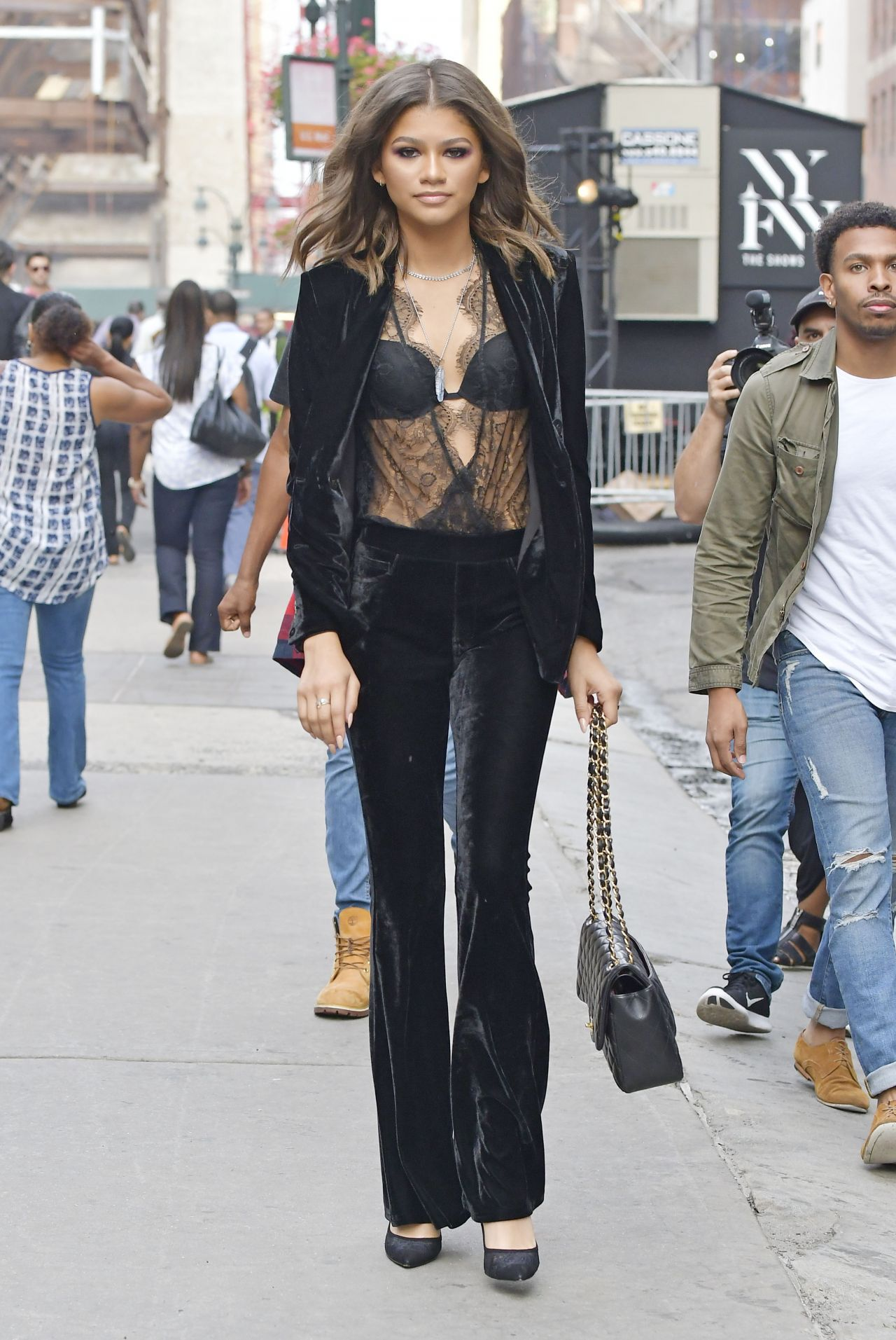 Zendaya Coleman Style Out In Nyc 9 9 2016 Filmstar Space