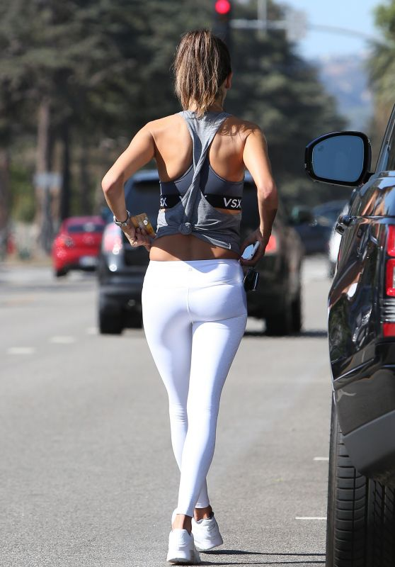 Alessandra Ambrosio in Tights - After a Workout in Santa Monica - 10/25/2016