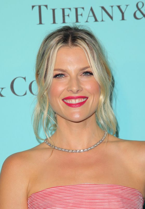 Ali Larter - Tiffany & Co Store Renovation Unveiling in LA 10/13/2016