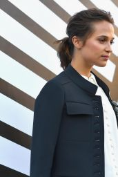 Alicia Vikander – Louis Vuitton Fashion Show Photocall in Paris 10/5/2016