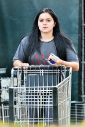 Ariel Winter in Tights - Shopping at Whole Foods in Studio City 10/11/2016