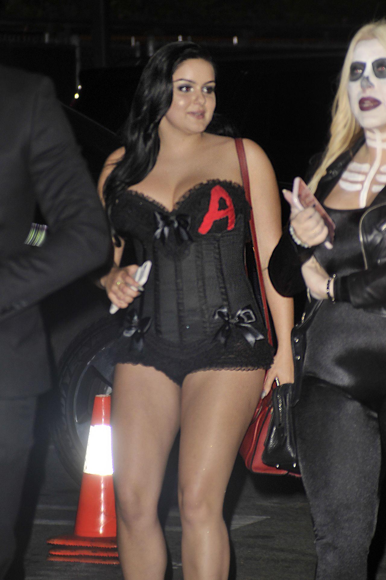Ariel Winter 2020 Halloween Costume Ariel Winter Wears a Skimpy Costume   Halloween Party in Los