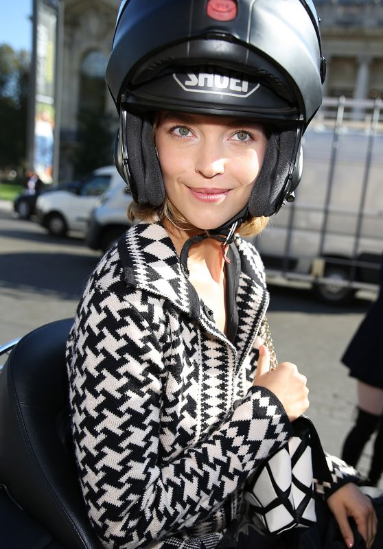 Arizona Muse - Leaving Chanel Show - Paris Fashion Week 10/4/2016