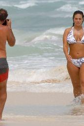 Ashley Graham Shows Off Her Bikini Body - Cancun, Mexico 10/28/ 2016