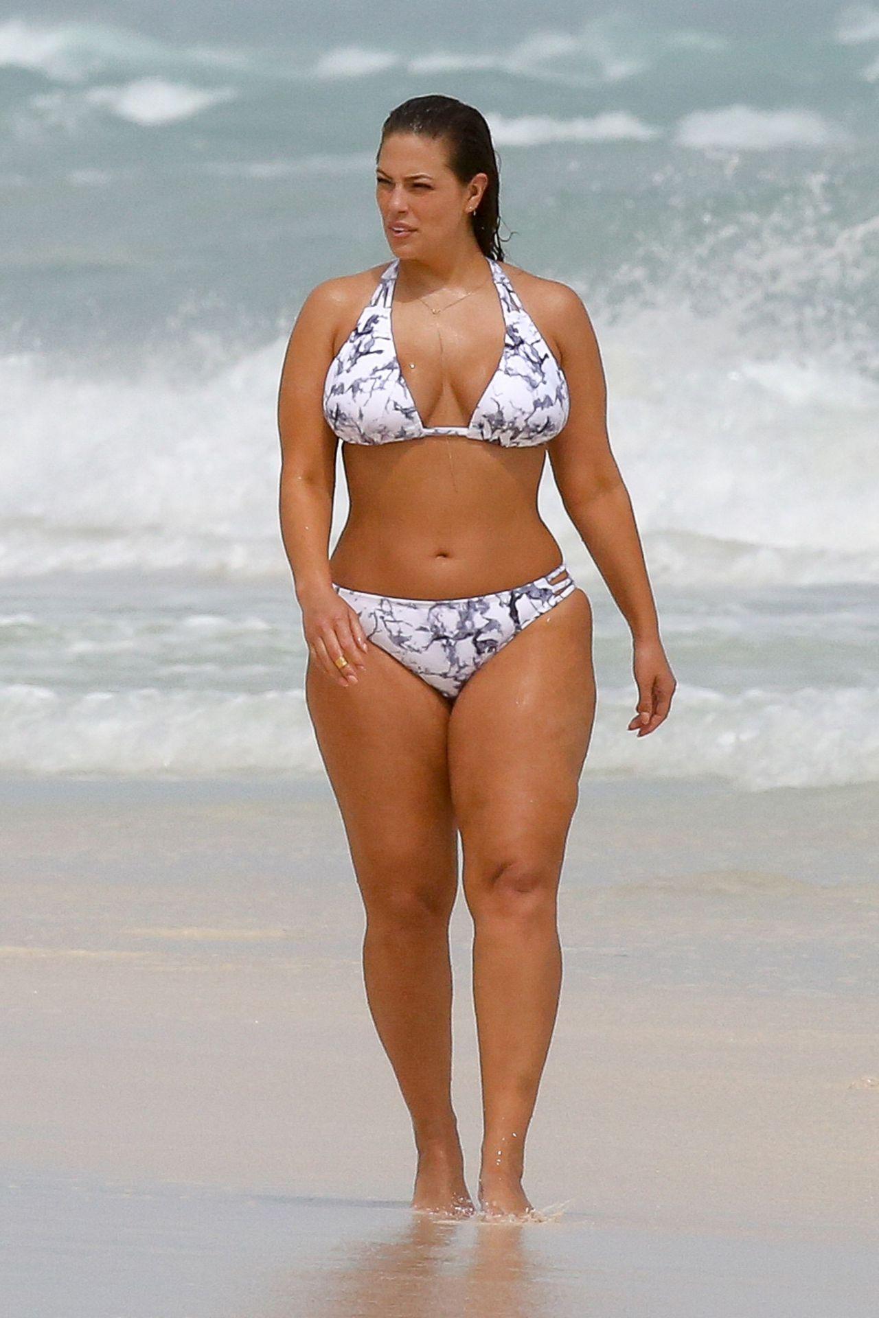 Ashley Graham Shows Off Her Bikini Body - Cancun, Mexico -1380