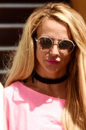 Britney Spears - Visiting a Tanning Salon in Calabasas 10/5/2016