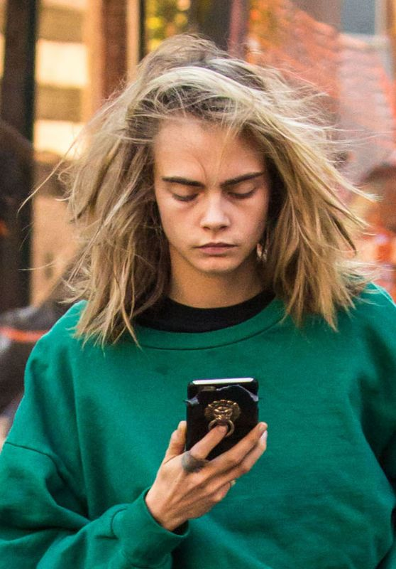 Cara Delevingne Street Style - Out in New York City 10/10/2016