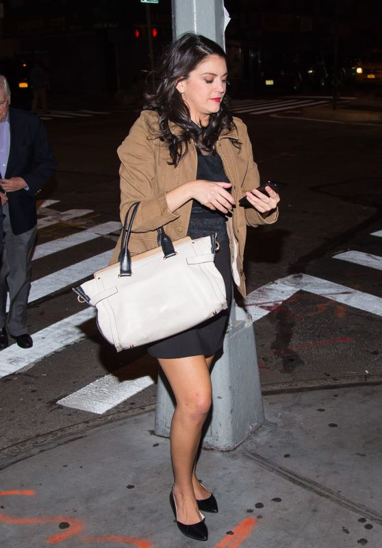 Cecily Strong - Aarrives at the
