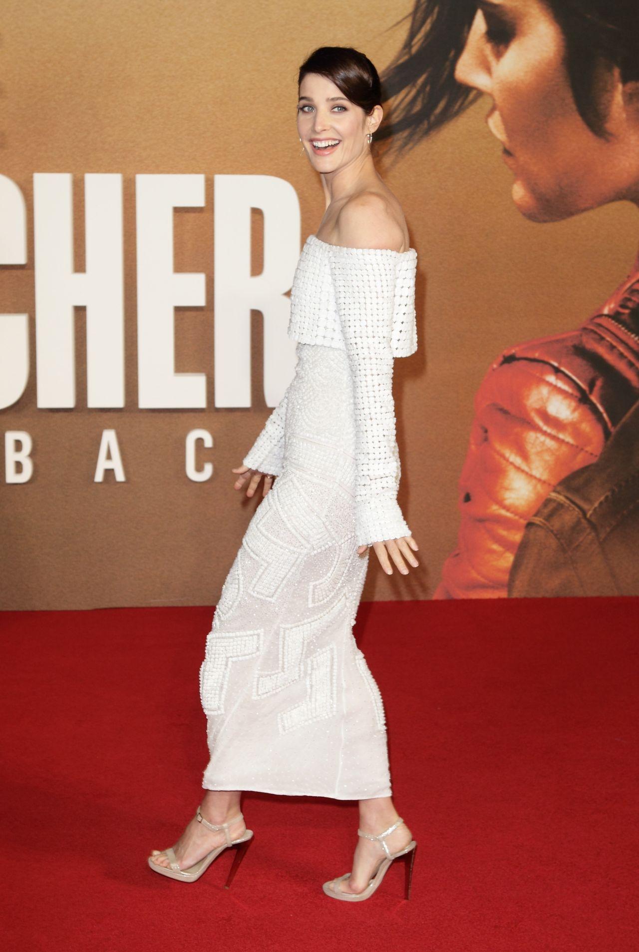 Cobie Smulders Jack Reacher Never Go Back Premiere in