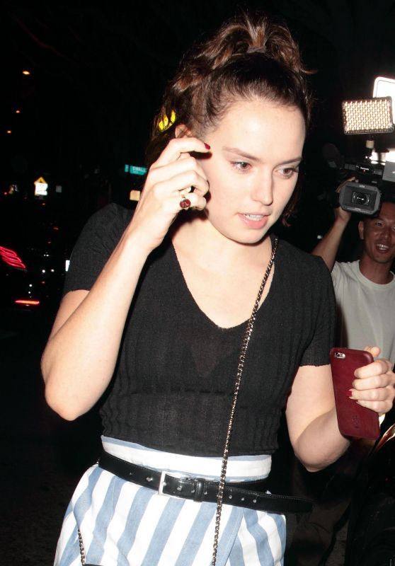 Daisy Ridley - Leaving Madeo Restaurant in Los Angeles, January 2016