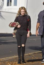 Dakota Blue Richards - Out and About in Brighton 10/27/ 2016