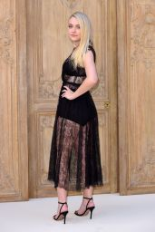 Dakota Fanning at Valentino Show – Paris Fashion Week 10/2/2016