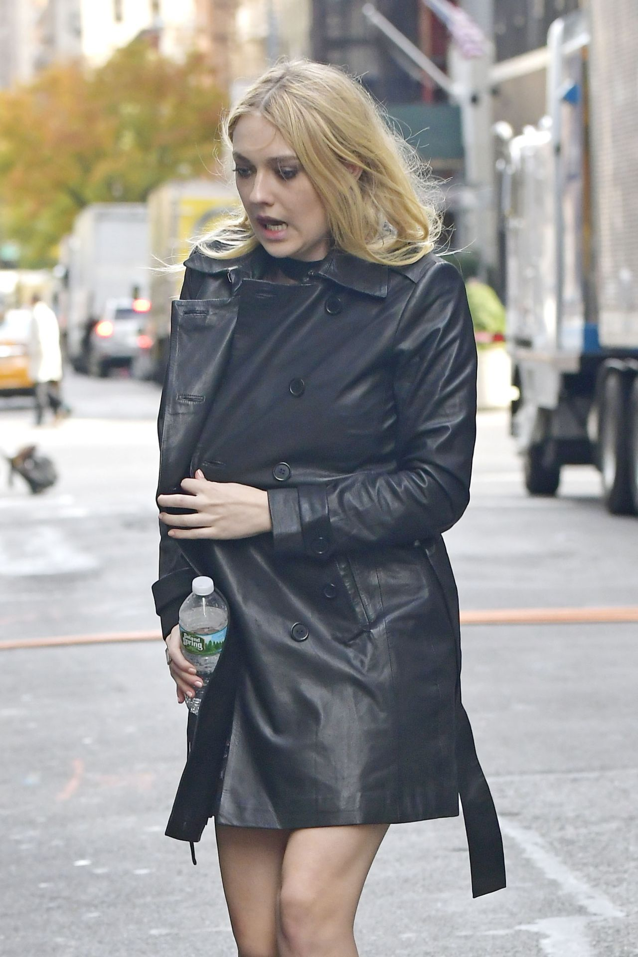 Celebrities-Trands: Dakota Fanning – 'Ocean's 8' Set in ... Dakota Fanning Blog