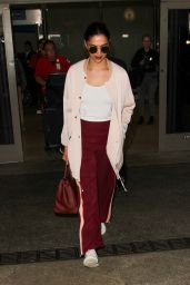 Deepika Padukone - Arrives at LAX Airport in Los Angeles, CA 10/19/2016