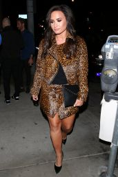 Demi Lovato - Out For Dinner at New Hollywood Hotspot CATCH in West Hollywood 10/22/ 2016